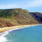 Praia da Luz formações rochosas