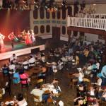 Saloon Show: Restaurante com pratos típicos e shows durante o dia.