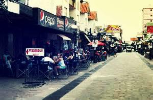 Calle Hipólito Irigoyen, em Mar de Ajó. (Foto: Reprodução)
