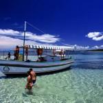 É possível fazer uma volta na ilha de Tinharé de barco. ( foto: reprodução)