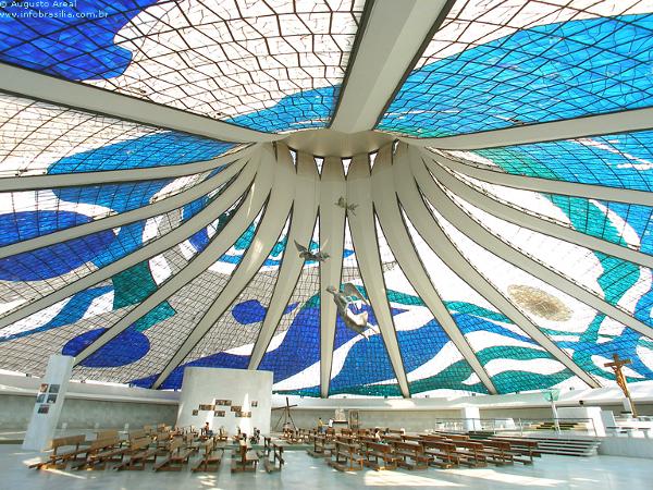 É considerada a Catedral mais moderna do Brasil