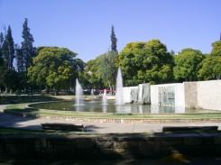 Esta fica localizada precisamente no centro de Mendonza, rodeada de maravilhosos hotéis e restaurantes