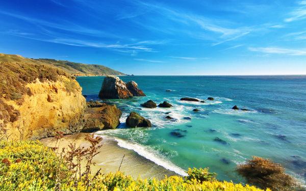 Big Sur fica na Califórnia, possui paisagens incríveis