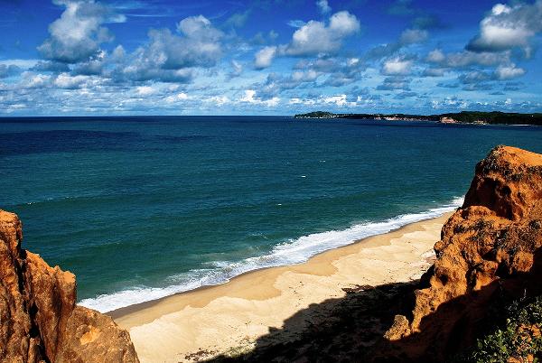 A melhor praia para curtir a tranquilidade com os amigo ou família.
