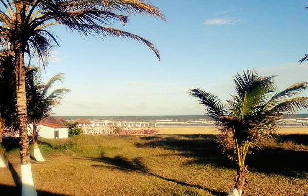 Se você procura agitação, a praia do Robalo é um ótimo lugar para conhecer em Aracaju.
