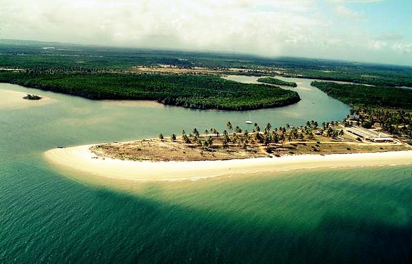 A Praia do Saco é super interessante para quem deseja férias tranquilas.