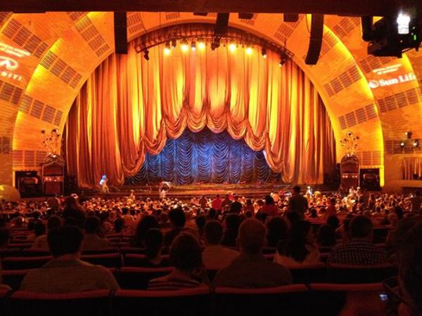 O teatro mais famoso do mundo, recebe as atrações mais ilustres anualmente