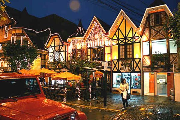 Campos do Jordão é o melhor destino turístico em São Paulo.