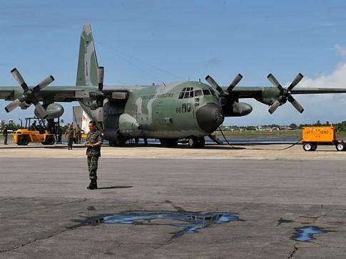É possível fazer viagens de graça pela Força Aérea Brasileira.
