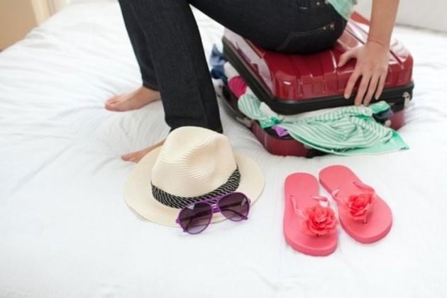 Se você vai viajar até a praia, precisa se certificar de alguns itens indispensáveis não vão faltar na sua mala.