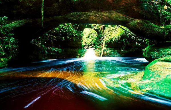 Cachoeira dos Arcos é parte dos pontos turísticos de Presidente Figueiredo.