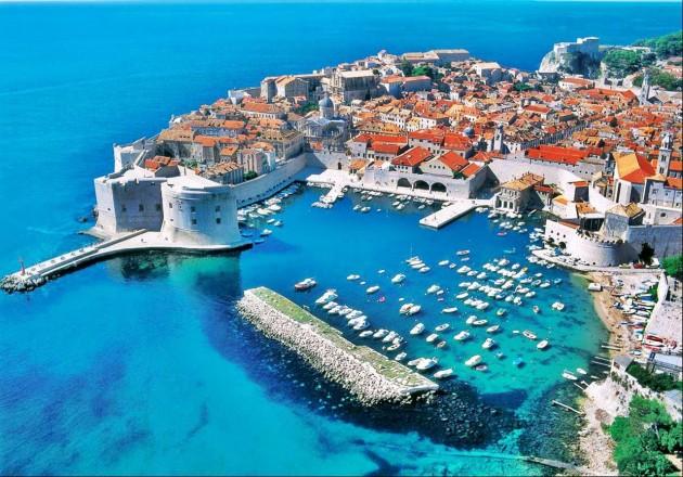 Conheça a cidade velha mais bonita da Europa!